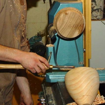 Preparing the jam chuck for remounting the ash bowl