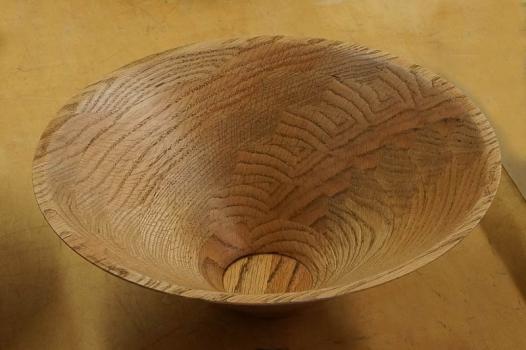 Oak bowl from board with twist