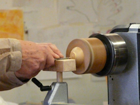Shaping the plug in the sphere after cutting the star point