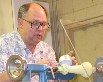 Applying extra heavy acrylic gel to part of sample