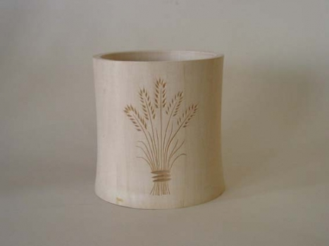 Bob Pettit  Basswood vase with chip carving 5