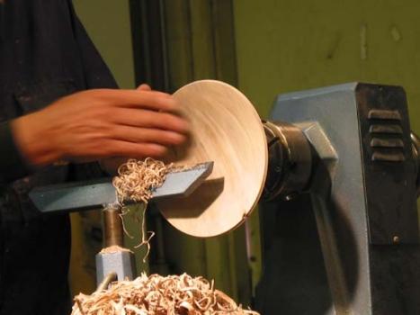 Shallow contour of bowl