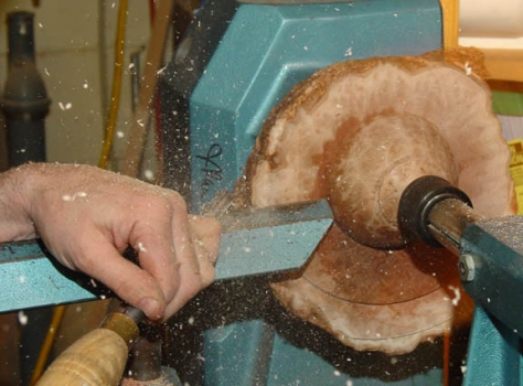 Cutting the back side with gouge.