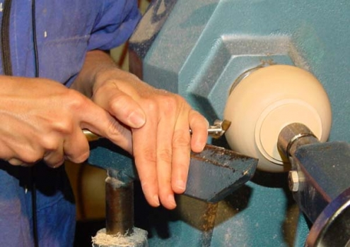 Shear scraping outside: note tenon to reverse mount in scroll chuck