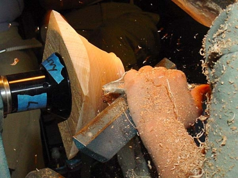 Standard push cut with the gouge (w/hi-speed flash).