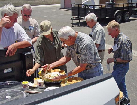 Tailgating for lunch - thanks to John Knittle.