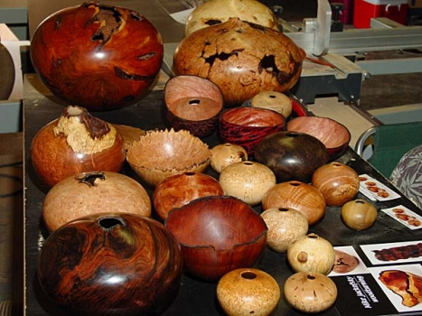 Featured demonstrator Mike Jackofsky from San Diego specializes in hollow forms. He brought these to show and sell.