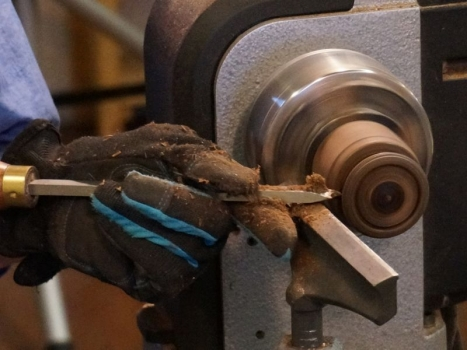 Cutting a ring with a Free-ring scraper tool
